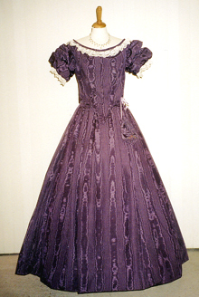 COLONIAL STYLE BALL GOWN